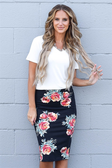 Picture of Black Floral Pencil Skirt